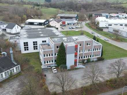 Gewerbeareal mit Produktions-/ Lagerhalle (teilbar)