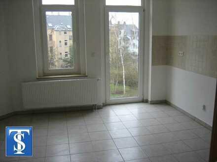 Bezugsfreie 3-Zimmer-ETW im 2. OG mit Balkon in Denkmalschutzobjekt in Plauen (Westend / Sternplatz)