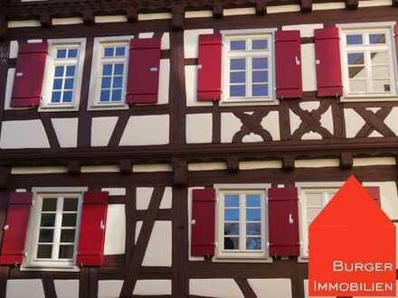 Wunderschöne 4-Zi.Wohnung im EG, bestens renoviert, in einem Fachwerkhaus in Mühlhausen a.d.Enz