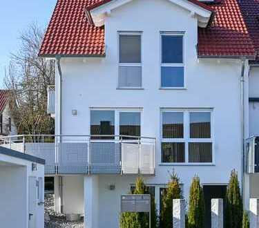 Edle Doppelhaushälfte mit ELW