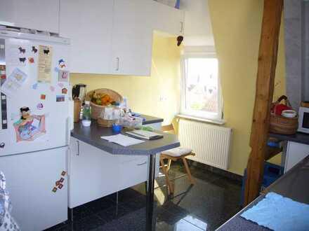Lichtdurchflutete, ruhige 5 Zimmer Maisonette-Wohnung, Familien- und WG-geeignet, in Stuttgart-Zuffe