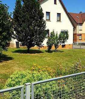 RT-Mittelstadt: Haus mit Scheune, sonniger Garten, Doppelgarage, Raum für Erweiterungen