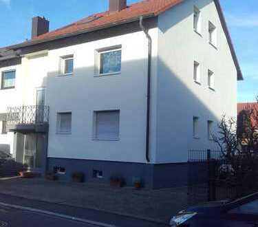 Gepflegte 2,5-Zimmer-Erdgeschosswohnung mit großem Balkon in Schwetzingen