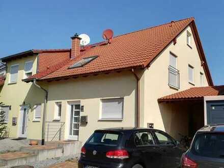 Hervorragende Lage - Doppelhaushälfte mit sep. Einliegerwohnung in St. Leon-Rot