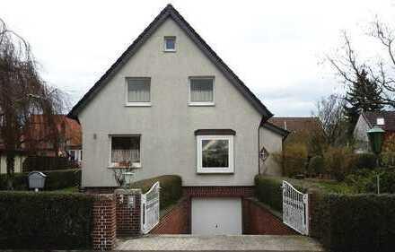 Einfamilienhaus mit Garten und Tiefgarage, sehr gepflegt