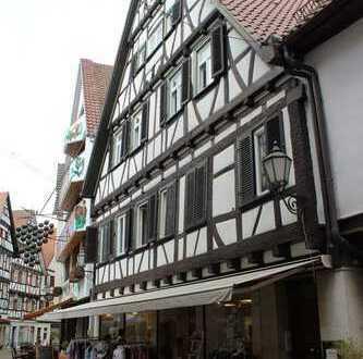 Wohn- und Geschäftshaus in der Fußgängerzone, voll vermietet
