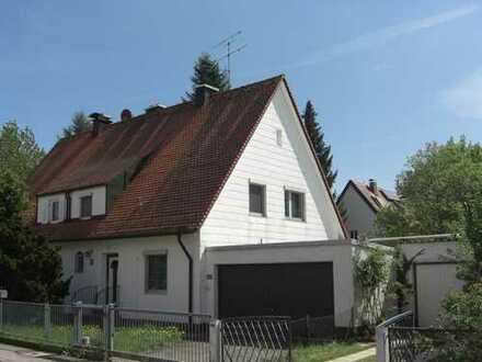 Ruhige Doppelhaushälfte mit großem, eingewachsenen Südgrundstück
