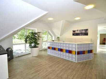 Niveauvolle Büro- oder Praxisräume am Berger Schlosspark!