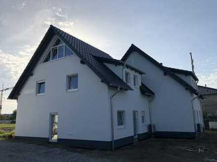 Neubau Erstbezug Doppelhaushälfte in Enger zu vermieten