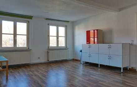 teilmöblierte Zweiraum-Dachgeschoß-Wohnung in Neuruppiner Altstadt
