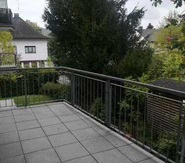 Große 3-Zimmer-Wohnung mit großem Balkon