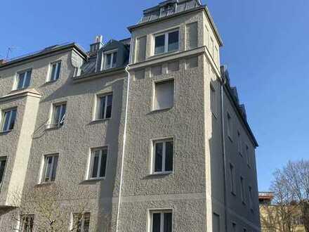 Helle, gut geschnittene Wohnung mit Loggia zwischen Zentrum und Textilviertel