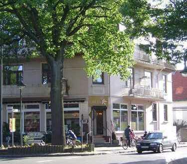 Klassische Altbauwohnung im Ortskern von Halstenbek