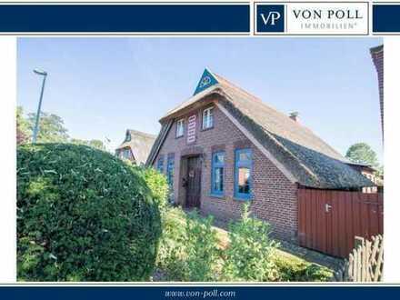 Gemütliches, sanierungsbedürftiges Reetdachhaus mit großem Grundstück in Berne
