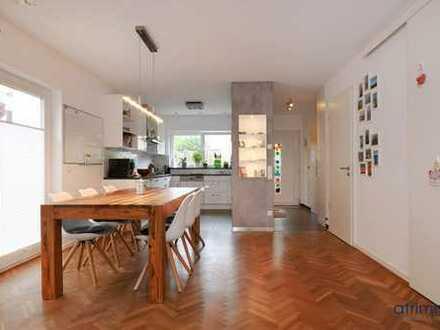 Einziehen & wohlfühlen! Helles Designerhaus, perfekt aufgeteilt, mit Carport und Obstgarten. In Bonn