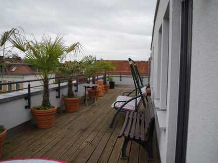 Penthousewohnung mit großer umlaufender Dachterrasse und Klimaanlage! Auf Wunsch mit Einbauküche!
