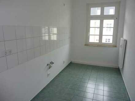Niedliche 2-Raum mit Laminat, Bad mit Fenster, Wanne... in Hilbersdorf!!!