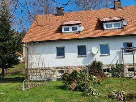 Gemütliche und ruhige 2-Zimmer Dachgeschosswohnung mit Gartennutzung
