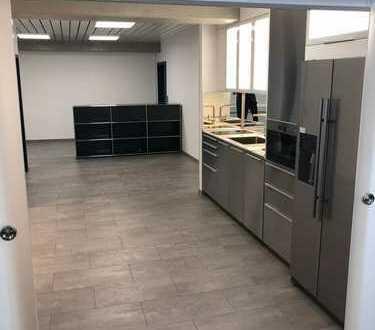 Neu saniertes Büro in verkehrsgünstiger Lage in MA-Neckarau