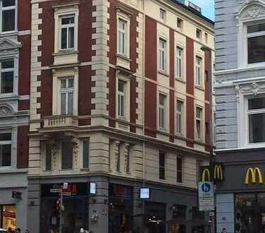 Exponiertes Wohn- u. Geschäftshaus in Lübecks bester Lage, gut vermietet