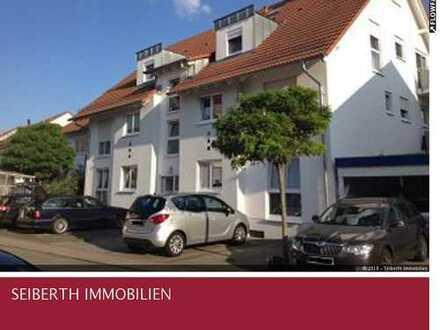 Wohnen auf hohem Niveau: Zentrale 3 ZKB Maisonette-Wohnung mit Balkon und Carport in Walldorf