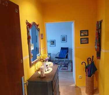 Provisionsfrei: Sehr gepflegte und gut geschnittene 3-Zimmer-Whg in Bestlage, 2 Balkone, EBK