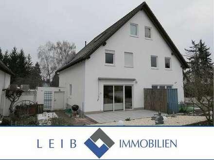 Attraktive Doppelhaushälfte in ruhiger Wohnlage von Weidhausen