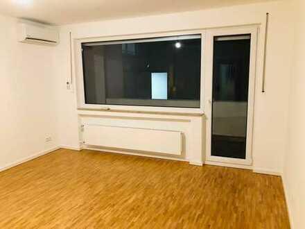 Erstbezug nach Komplett Sanierung mit Balkon: attraktive 2-Zimmer-EG-Wohnung in Widdersdorf, Köln