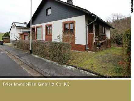 Schönes Einfamilienhaus mit Einliegerwohnung in Udenhausen OT
