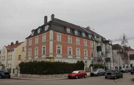 Sehr schöne Dachgeschosswohnung mit EBK in Ingolstadt