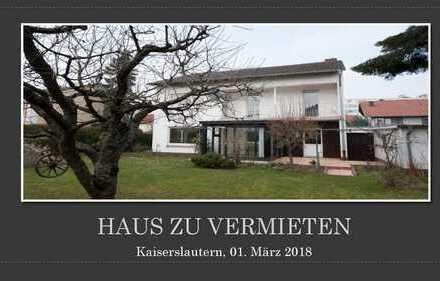 EinFamilienhaus im typischen 60er-Jahre-Charme mit sehr schönem Garten, Nähe Lindenhof/KL
