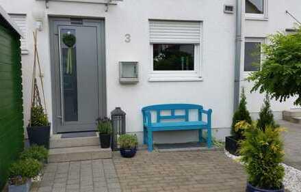 Schönes, helles Reihenmittel-Haus mit Garten zu vermieten