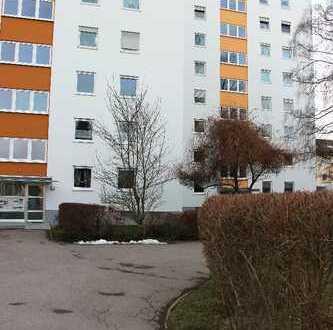 Erstbezug einer 3-Zimmer-Wohnung mit Balkon nach Modernisierung