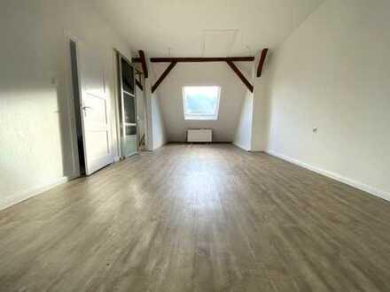 2ZKB Dachgeschosswohnung in zentraler Lage von Bunde zu vermieten