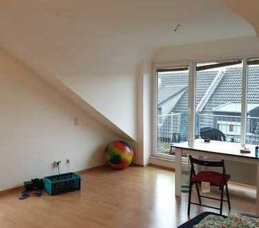 Gepflegte 3-Zimmer-Dachgeschosswohnung mit Balkon in Aachen