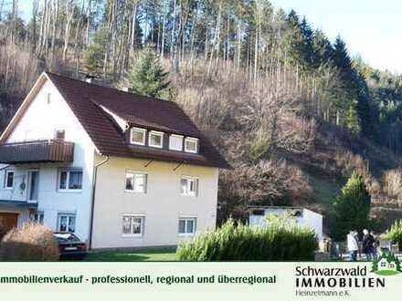 Reserviert; 2-Familienhaus mit Einliegerwohnung in 72275 Alpirsbach