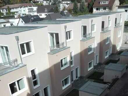 Erstbezug: Schönes Reihenhaus mit fünf Zimmern in Nikolausberg