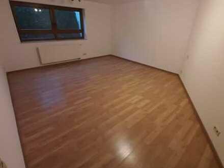 Ansprechende 2-Zimmer-Wohnung mit EBK in Lehrensteinsfeld