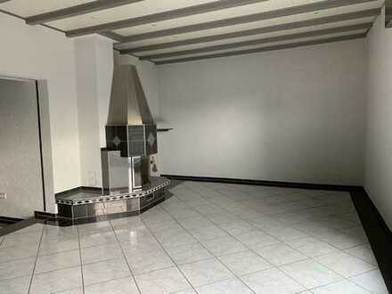 Moderne Wohnung- hochwertig in der Ausstattung mit Kamin, Balkon und Luxusbad nahe Indupark Dortmund