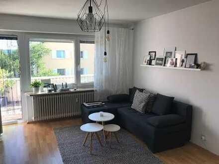möblierte 1,5 Zimmer-Penthouse-Wohnung KN-Fürstenberg