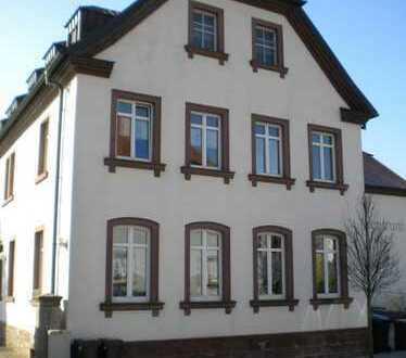Schöne 2 Zimmer Erdgeschoss-Wohnung