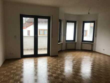 Renovierte 3-Zimmer-Wohnung mit Balkon und Einbauküche in Wiesloch-Baiertal