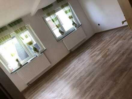 Schöne, gepflegte 2-Zimmer-EG-Wohnung in Wörth am Rhein