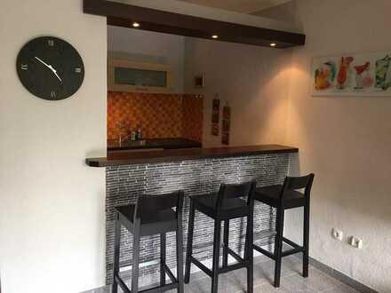 Vollständig renovierte 1-Raum-Wohnung mit Einbauküche in Uninähe