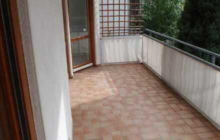 geräumige 4 ZKB Balkon und Garage in Wöschbach