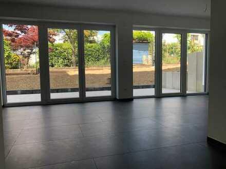 Erstbezug: Moderne, helle 3-Zimmer-Wohnung in Bonn mit Terrasse