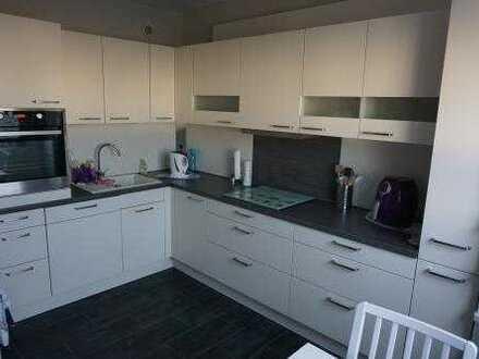 Hochwertig ausgestattet - 4-Zimmer-Wohnung mit Einbauküche und verglastem Balkon in Greifswald