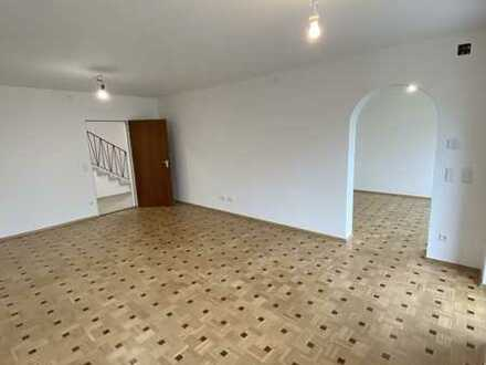 Schönes Einfamilienhaus mit fünf Zimmern in Fürstenfeldbruck (Kreis), Maisach
