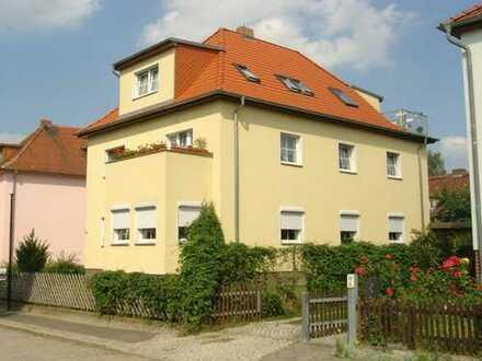 2-Raum Traumwohnung mit Dachterrasse,Carport und Garten
