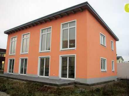 Moderne Doppelhaushälfte mit Top Grundriss - Erstbezug - Provisionsfrei!